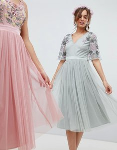 Read more about Maya embellished tulle sleeve midi tulle dress in green - green lily