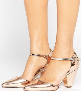 Read more about Asos speaker pointed heels - nude metallic