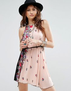 Read more about Free people it s a kinch printed slip dress - black combo