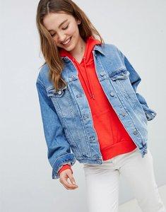 Read more about Asos design denim girlfriend jacket in lightwash blue - blue