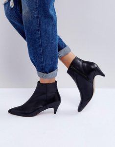 Read more about Asos rebecca leather kitten heeled boots - black leather