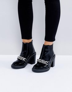 Read more about Asos eren leather chain ankle boots - black box leather