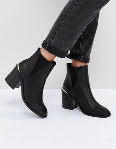 Read more about Asos echo heeled chelsea boots - black