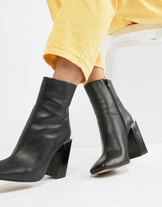 Read more about Asos design verity leather heeled ankle boots - black leather