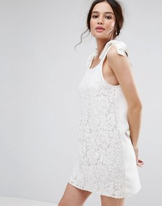 Read more about Missguided tie shoulder shift dress - cream