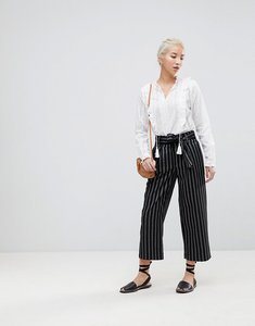 Read more about New look wide pinstripe tie waist crop trousers - black pattern