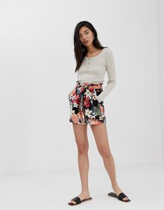 Read more about Stradivarius tie waist short in tropical print