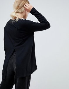 Read more about Asos design long sleeve t-shirt with dip hem and split back in black - black