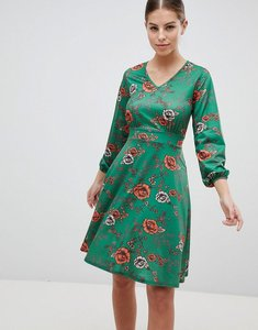 Read more about Club l v neck long sleeve tie back tea dress - green
