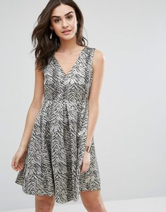 Read more about Y a s leaf skater dress - black metallic