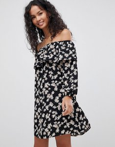 Read more about Glamorous off shoulder floral dress - black cream daisy