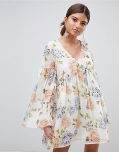 Read more about Prettylittlething floral smock dress - cream