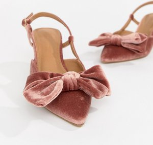 Read more about Asos design sherry bow kitten heels - pink velvet