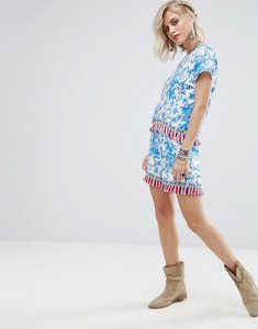 Read more about Glamorous shorts in floral print with tassel trim co-ord - blue