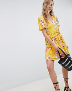 Read more about Asos design v neck tea dress with belt in floral print - floral print