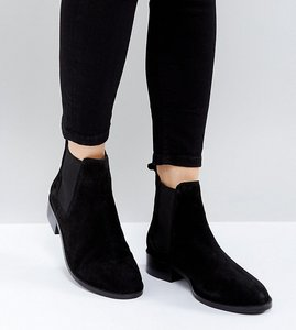 Read more about Asos absolute suede chelsea ankle boots - black suede