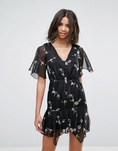 Read more about Miss selfridge floral v neck tea dress - black print
