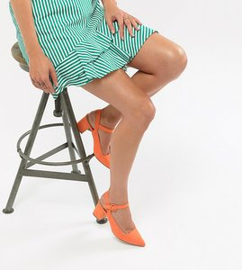 Read more about Missguided faux suede pointed block heeled shoes - orange