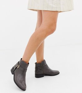 Read more about Carvela leather low heel ankle boots - black