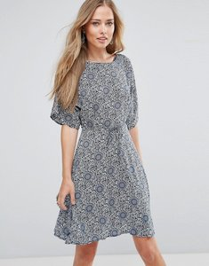 Read more about Glamorous fluted sleeve skater dress - cream navy