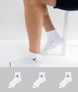 Read more about Nike jordan 3 pack quarter socks in white sx5544-100 - white