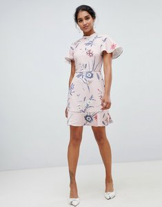 30743249332f Read more about Oasis skater dress with ruffle sleeves in pink floral -  multi