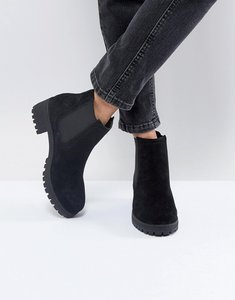 Read more about Asos rhea suede chelsea boots - black