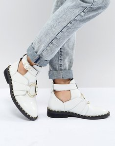 Read more about Asos design amelie leather ring boots - white leather