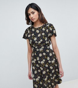 Read more about Y a s tall printed tea dress - black