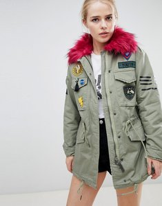 Read more about Bershka badge and patch detail parka - khaki
