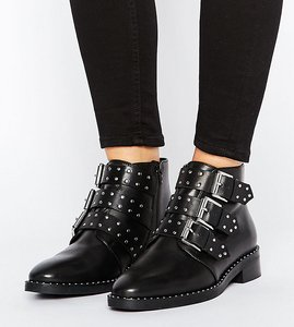 Read more about Asos asher wide fit leather studded ankle boots - black