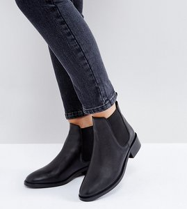 Read more about Asos absolute leather chelsea ankle boots - black leather