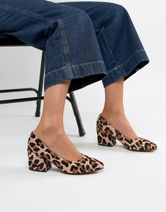 Read more about Asos design sahara leather mid heels in leopard print - leopard pony