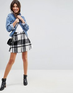 Read more about Asos flippy check mini skirt - black white