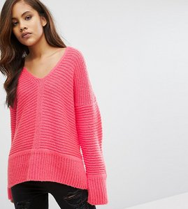 Read more about Asos tall chunky jumper in fluffy yarn with v neck - hot pink