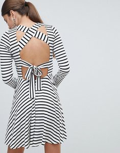 Read more about Prettylittlething striped tie back dress - white and black