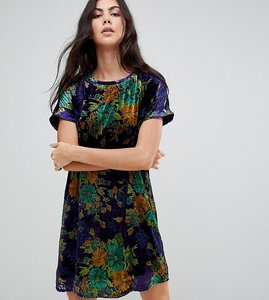 Read more about Glamorous tall oversized t-shirt dress in leafy floral velvet - blue