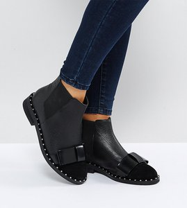 Read more about Asos aubrey wide fit leather bow ankle boots - black