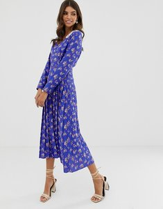 Read more about Asos design pleated maxi dress in ditsy floral print with lace collar