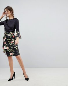 Read more about Ted baker blayyke ruffle pencil skirt in peach blossom print - black