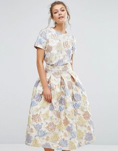 Read more about True decadence floral crop top in jacquard co ord - peach flower jac