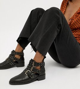 Read more about Asos design aries leather studded ankle boots - black leather