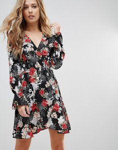 Read more about Oh my love tie waist wrap dress in floral print - large nude floral