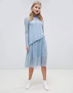 Read more about Pieces lace midi dress - dusty blue