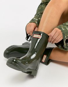 Read more about Hunter short gloss wellington boot - dark olive