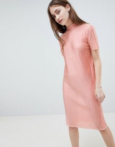 Read more about Pieces jose plisse midi dress - rose tan
