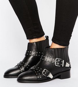 Read more about Asos ashes wide fit studded leather ankle boots - black