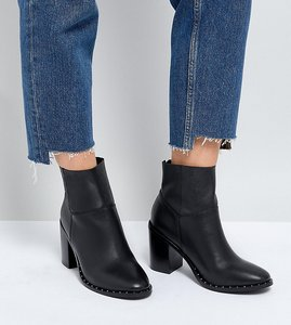 Read more about Asos design wide fit envy leather ankle boots - black leather
