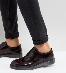 Read more about Asos wide fit derby brogue shoes in burgundy leather with ribbed sole - burgundy