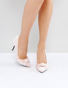 Read more about True decadence knotted velvet court shoes - pink velvet